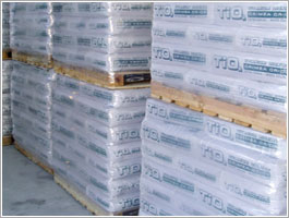Paper or polypropylene bag with pallets